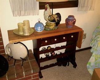 Wine rack table