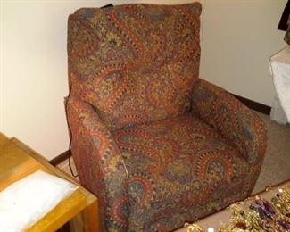 Lift Chair paisley print