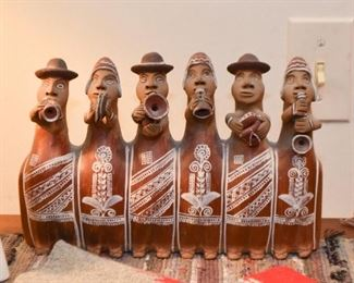 Mexican / South American Folk Art Clay Pottery Figure- Musicians