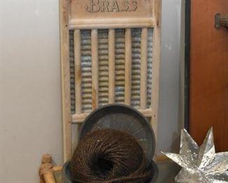 Antique / Vintage Washboard, Tin Pans, Etc.