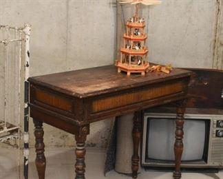 Antique / Vintage Writing Desk / Table