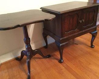 Classic Wooden Occasional Tables https://ctbids.com/#!/description/share/228053