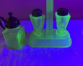 Vintage Uranium Glass S&P Cruet Set and Jar https://ctbids.com/#!/description/share/229571