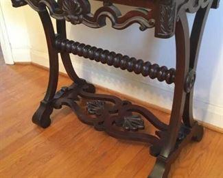 Vintage Decorative Side Table https://ctbids.com/#!/description/share/228194