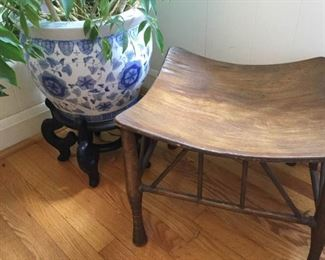 Asian Style Ceramic Planter and Wooden Footstool https://ctbids.com/#!/description/share/230992