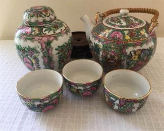 Chinese Porcelain Tea Set and Ginger Jar https://ctbids.com/#!/description/share/230989