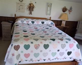 Ethan Allen full size bed with handmade quilt