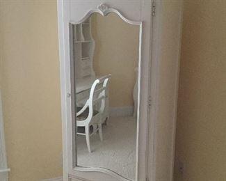 Darling white wardrobe