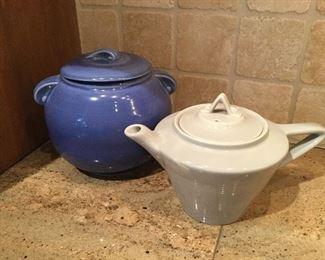 USA cookie jar and teapot
