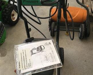 Craftsman Power Washer.  2300 PSI   Briggs & Stratton