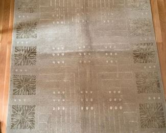 33. Warp and Weft Area Rug Silk and Wool (5' x 6')