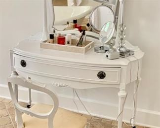 """112. Antique White Dressing Table w/ Chair (46"""" x 20"""" x 66"""")"""