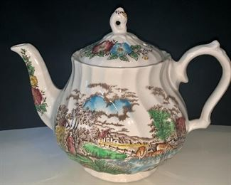 Country Life teapot by Sadler