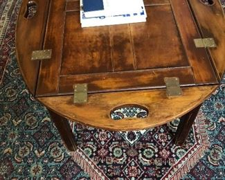 Coffee table/butler tray