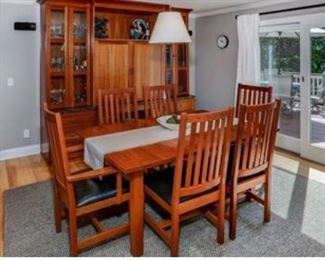 Crate and Barrel Frank Lloyd Wright Mission Style Dining Table with Leaves and 6 Chairs $600