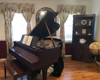 Baldwin Ellington baby grand