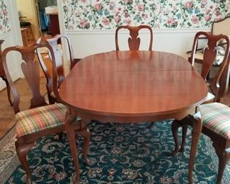 formal dining set by Hickory