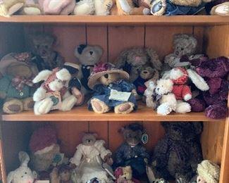 Lots of Boyd's Bears.