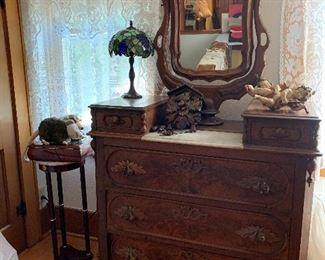 That lamp looks just right on that dresser.