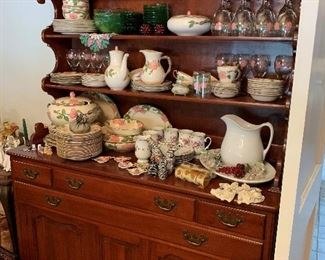 Another great china cabinet/hutch.