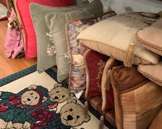 Very nice pillows and rugs