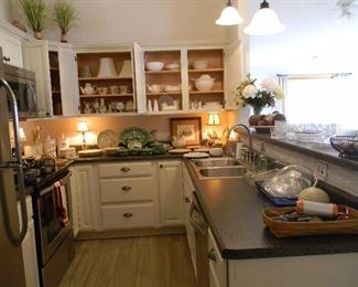 Wonderful kitchen decor and vintage accent lamps