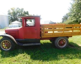 1928 International truck and does run a must-see. The motor was just gone through.