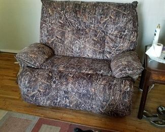oversized recliner - does not recline