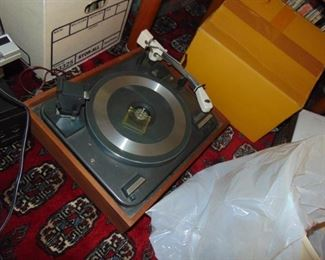 Garrard turntable.  Plays 78s.