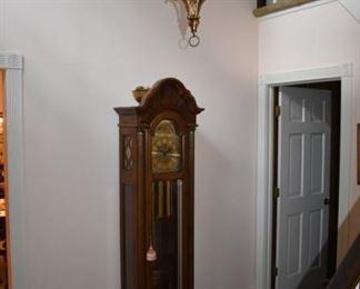 Beautiful Pearl grandfather clock in great working order
