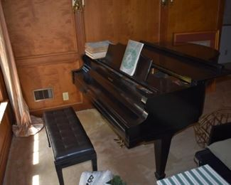 """Gorgeous ebony Kimball """"baby"""" grand piano"""