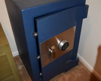 Three foot tall safe with digital lock -  VERY HEAVY! You must move! $200 firm - no additional discounts.