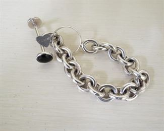 Signed Kalipre Harlene Korey sterling silver onyx toggle bracelet.