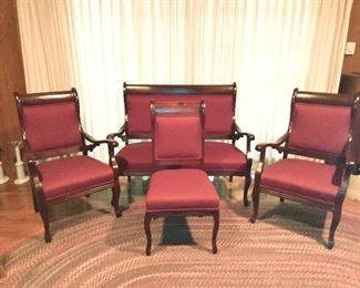 Beautiful Empire ogee mahogany parlour set from Baltimore furniture maker. Fully restored with genuine horsehair upholstery. Settee, two arm chairs and a side table. Circa 1880s. From the family farm on the Potomac River in Maryland,  just north of the Antietam Battlefield