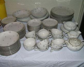 SNOWFLAKE  dinner ware from Japan