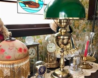 Lamps & vintage clock collection