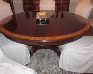 Stunning Inlaid Mahogany Round Dining Room Table with Two Extra Leaves