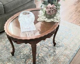 Vitnage coffee table