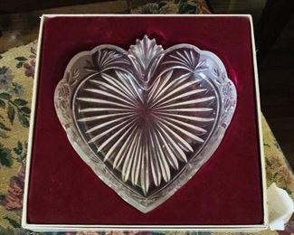 ONEIDA Heart dish