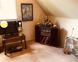Flat Screen Tv, lamps, stereo system, albums