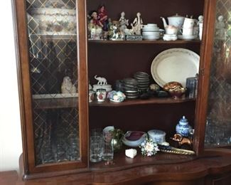 Hutch with vintage items.