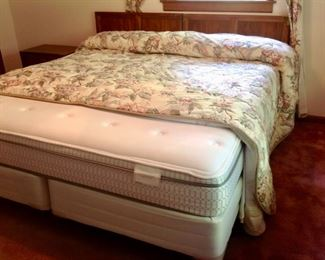 2 Twin Thomasville Head Boards, King Mattress W/2 Twin Box Springs on a King Bed Frame