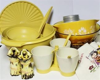 Tupperware, Pyrex, Vintage Tea Towels and more Retro Kitchen wares