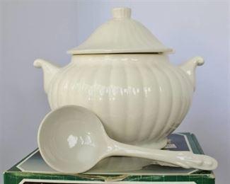1 QT White Ceramic Tureen w/Ladle and Home Interiors Sugar & Creamer (Wisteria Collection)