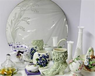 Flower Power - beautiful lot of glass mirror, vases, trinket box