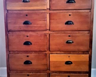 CHEST OF DRAWERS debbie