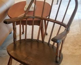 Pair of antique chairs hoop back American Windsor arm chairs with plank seats