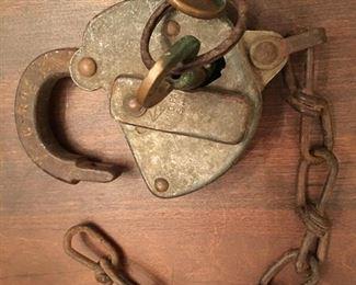 Clinch field R.R. Lock