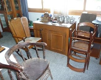 Pull Out Table & Chairs