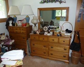 Chest of Drawers & Dresser